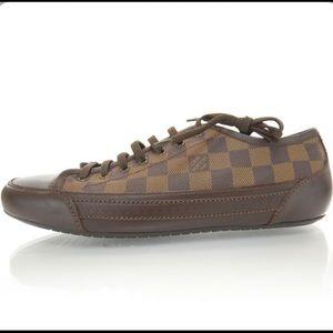 Louis Vuitton men's Damier ebene size 9 sneakers